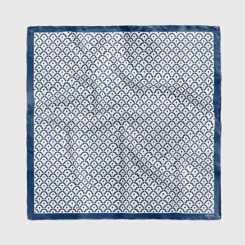 INTHAI青花瓷菠萝白色图案丝巾